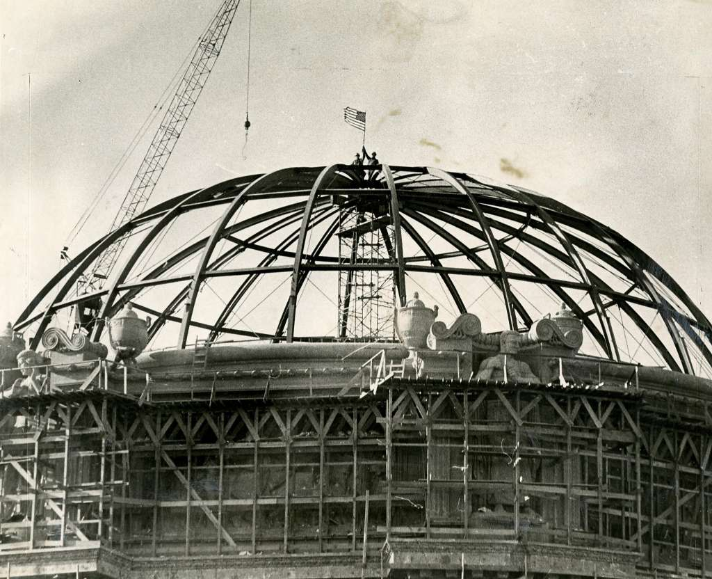 San Francisco's Palace of Fine Arts restoration, dome being rebuilt